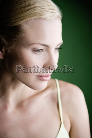 kvinde profil fnise smiler smukke smuk