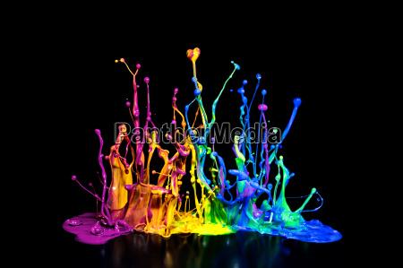 farverige paint splash pa en hojttaler