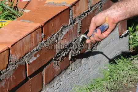 brick wall maurer