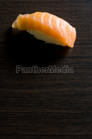 sushi maki laks japan japansk spise