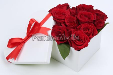 gave som et hjerte med roser