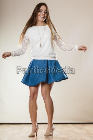 ung kvinde i dans