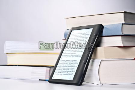 en e bog afviser trykte boger