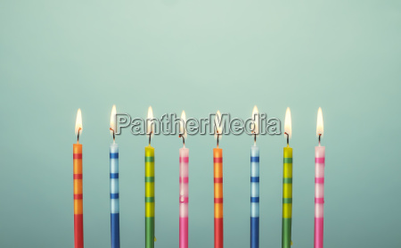 farverige fodselsdag kage stearinlys