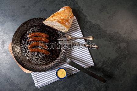 brod nuernberg sennep sauerkraut spiser stegepande