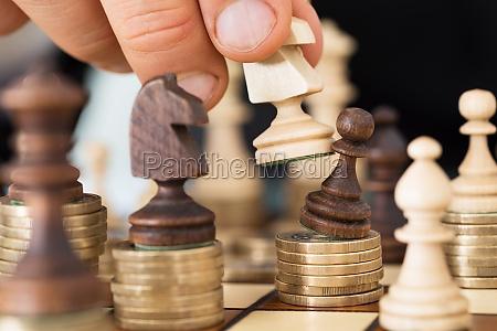 hand at spille skak stablet pa