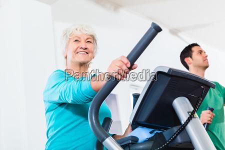 senior pa elliptisk traener gor sport