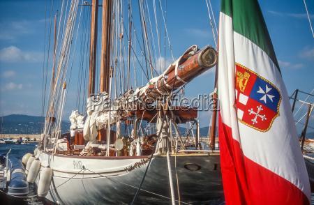 fane sejler yacht sejlbad italiensk italien