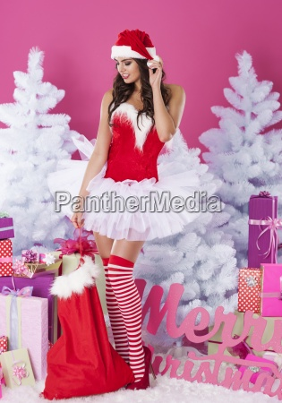 julemanden kommer med gaver