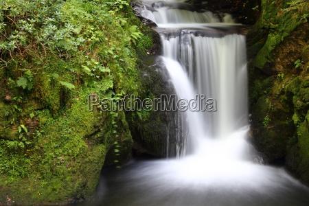 baek sten stenmasse stenlag klippe vandfald