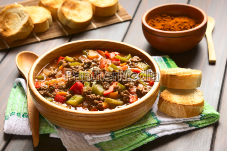 veganske goulash med soy meat