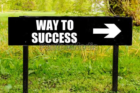 vejen til succes skrevet pa retningsbestemt
