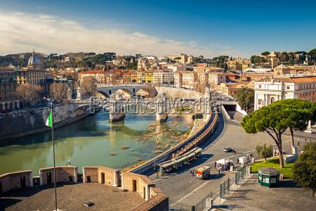 udsigt over floden tiberen i rom