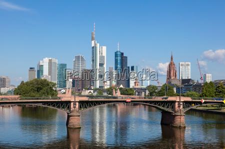 skyline af frankfurt main hessen tyskland