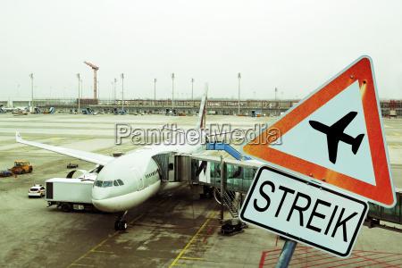 flyvning lufthavn flyveplads trafik piloter strejke
