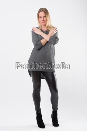 blond mode kvinde i slanke sorte