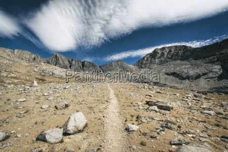 hiking trail in the sierra nevada