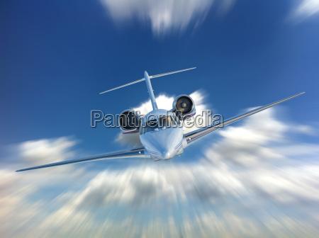 private jetfly flyvende forfra