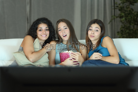 tre venner ser romantisk film pa
