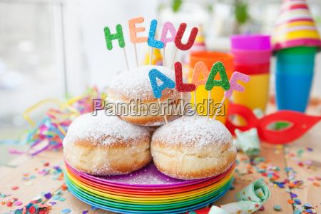 friske donuts til karnevalet