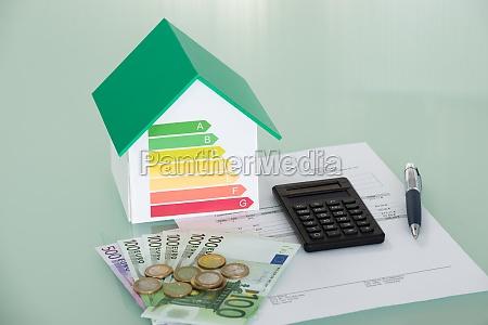 energieffektivitets grad med faktura og valuta