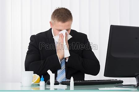 syg, forretningsmand, blæser, næsen - 16162471