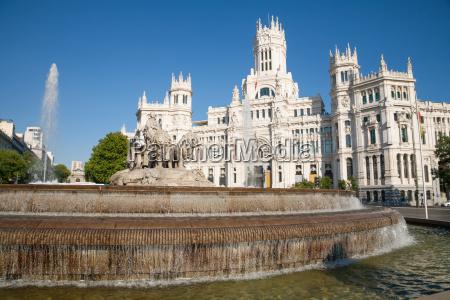 pomnik statula rzezba hiszpania fontane studnia
