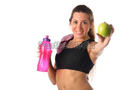 sund livsstil fitness kvinde drikkevand