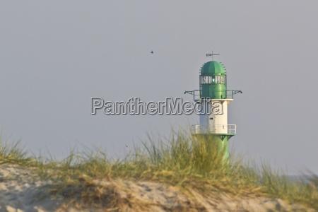tyskland mecklenburg vorpommern warnemuende green lighthouse