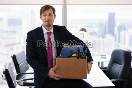 portraet bare hyret business mand med