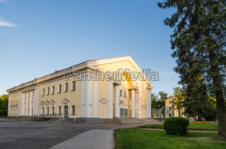 by antik stil af byggeri arkitektur