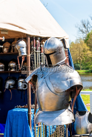 kamp kaemper krig beskytte ridder svaerd