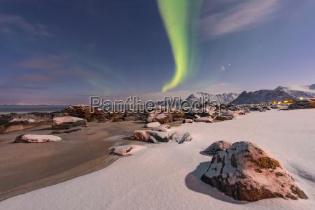 norge lofoten islands northern lys over