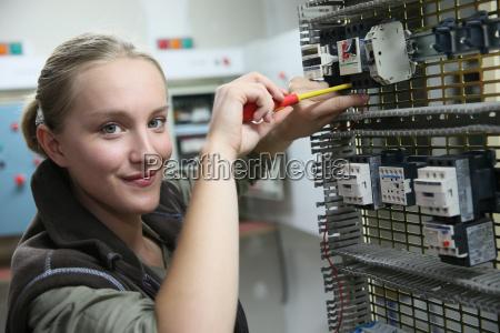 ung kvinde i professionel traening oprette