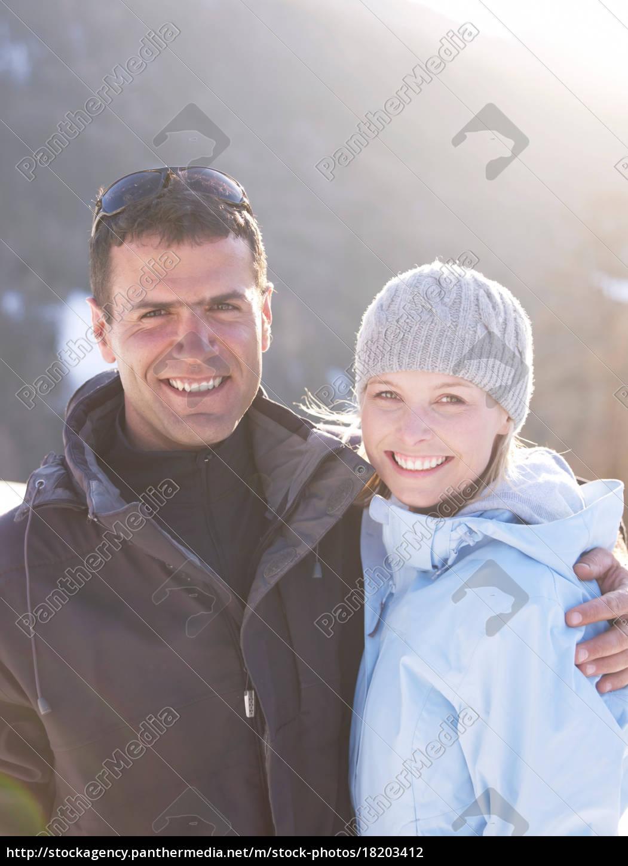 mand, og, kvinde, portræt, på, bjerg - 18203412