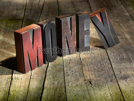 traeklodser stavning penge
