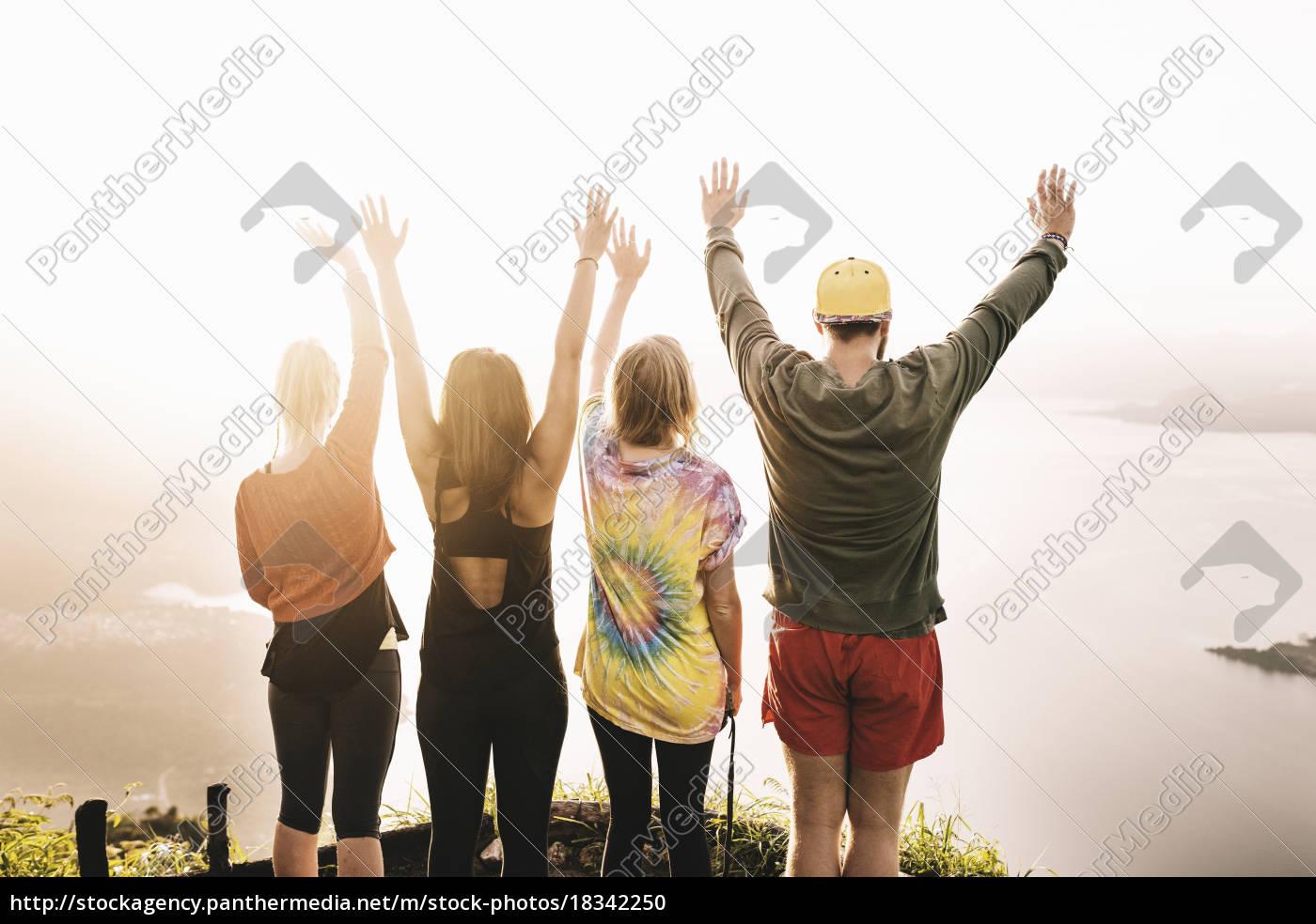 bageste, visning, af, fire, unge, voksne - 18342250