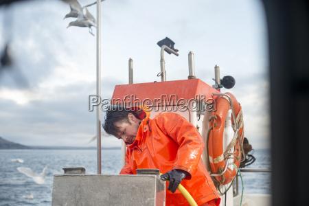 mandlig maskulin viril udendore udendors fiskerbad