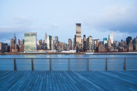 new york city skyline og havnefronten