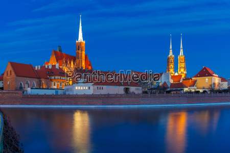cathedral island at night in wroclaw