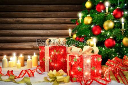 elegant dekoration til jul med juletrae