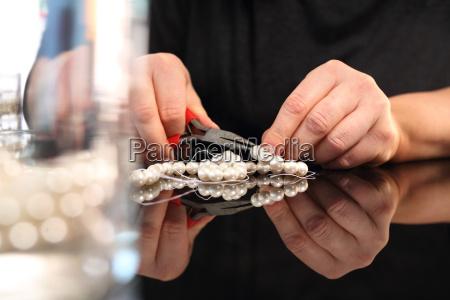 smykkefremstilling koraller gevindskaering