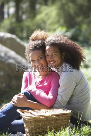 par har picnic i landskabet