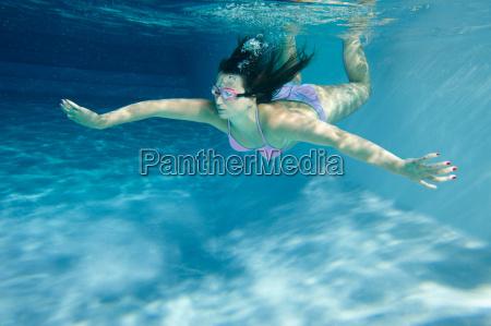 kvinde bevaegelse positionsaendring forskydning fritid ferie
