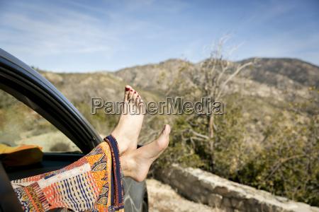kvinde afslapning kvindelig trae bil automobil