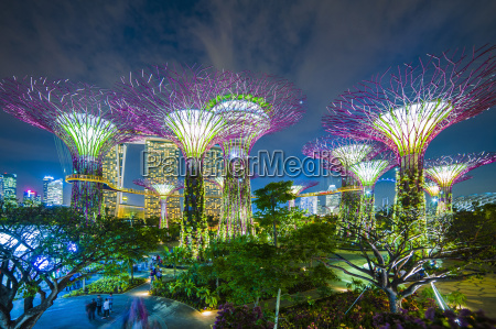 gardens by the bay belyst om
