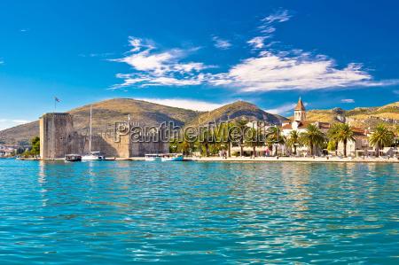 unesco byen trogit strandpromenaden view