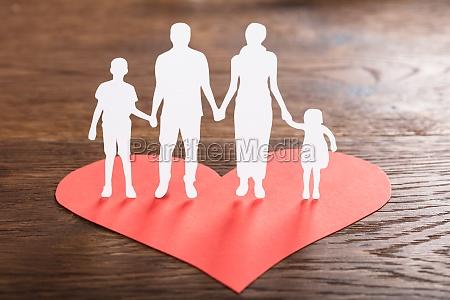familie cut out pa rod form