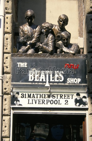 statues of the beatles the cavern