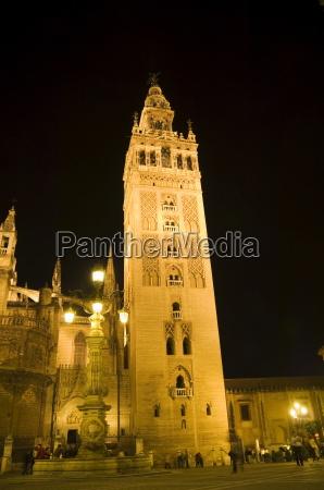 la giralda and seville cathedral at